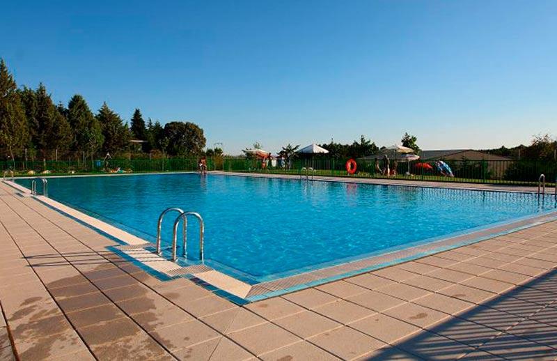 Las piscinas municipales abren este s bado la cr nica de for Piscinas garrido