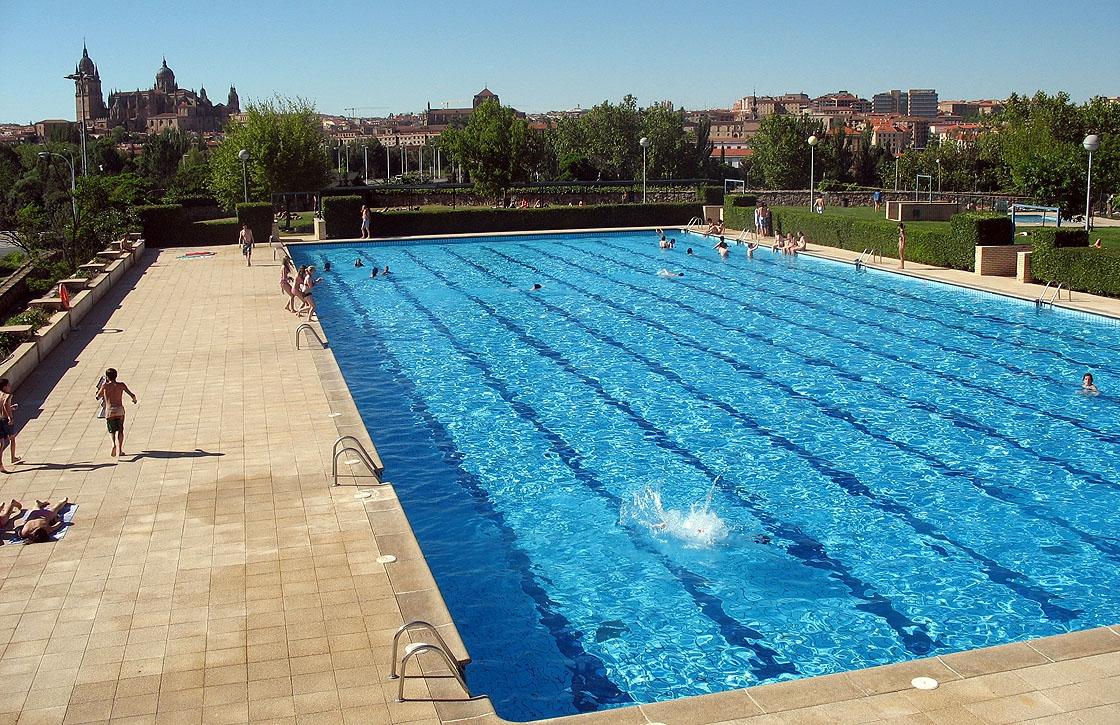 La nueva empresa de las piscinas no garantiza la for Fotos de piscinas climatizadas