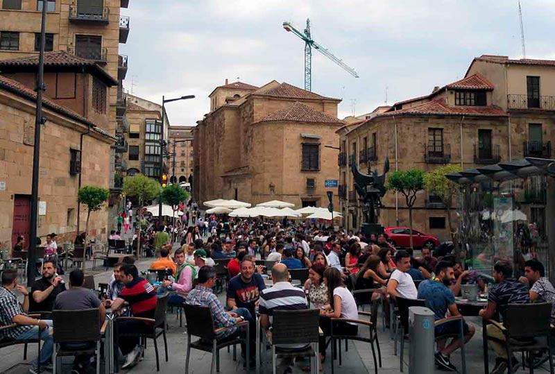 Reclaman m s control de las terrazas de verano la for Cine las terrazas