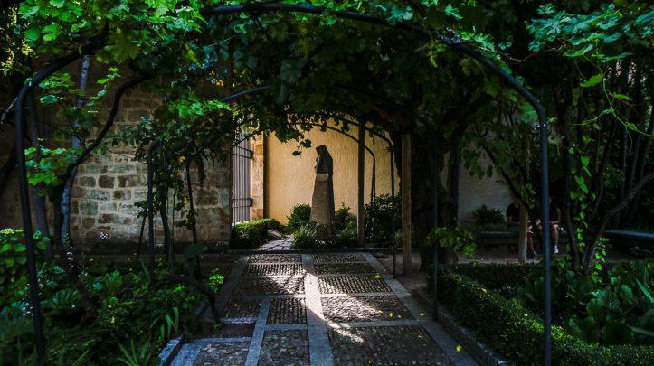 La historia de c mo se compr el huerto la cr nica de salamanca - Jardin de calisto y melibea salamanca ...