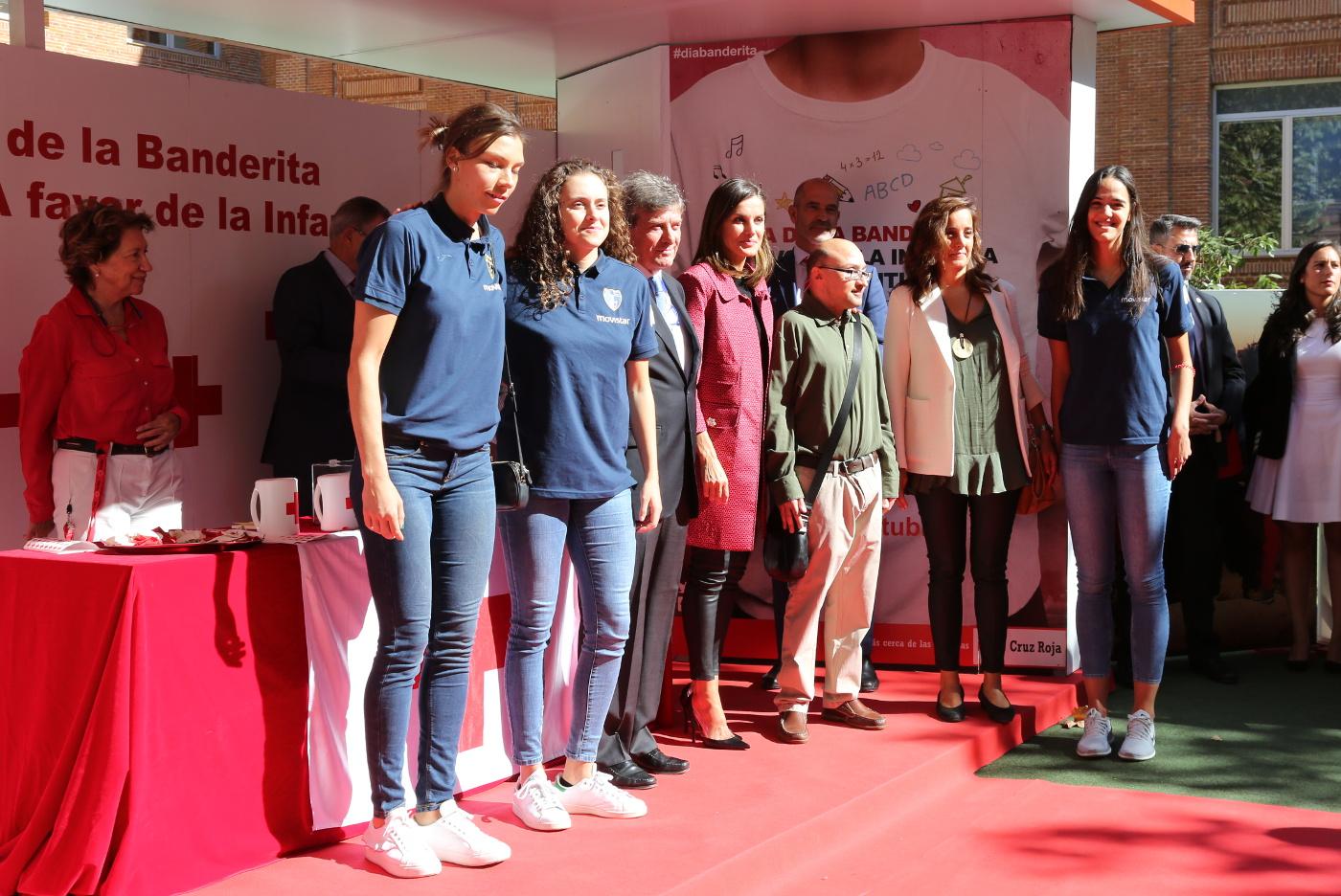 Letizia la reina m s motera for Beca de comedor valencia