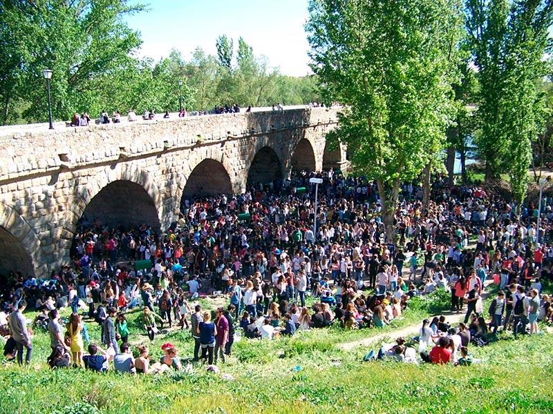 lunes de aguas puente romano
