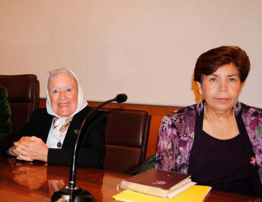 Nora Cortiñas y Mirna Perla