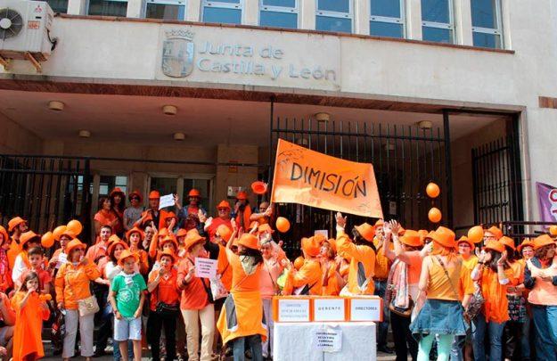 trabajadores sociales manifestacion gerencia
