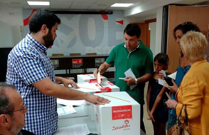 Fernando Pablos vota para secretario general psoe
