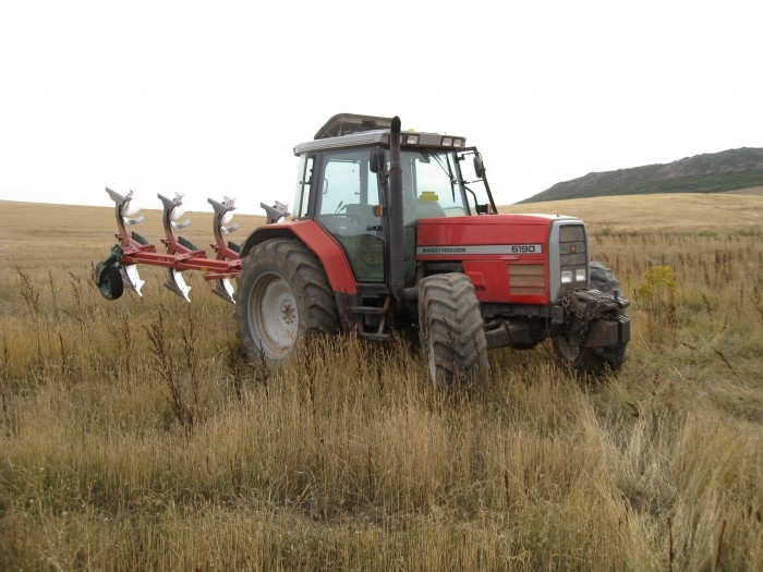 agricultura campo tractor-700x525
