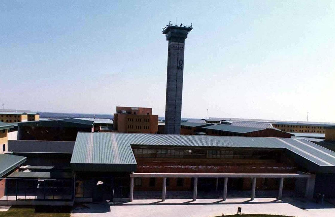 En la imagen, el exterior de la cárcel de Topas en Salamanca