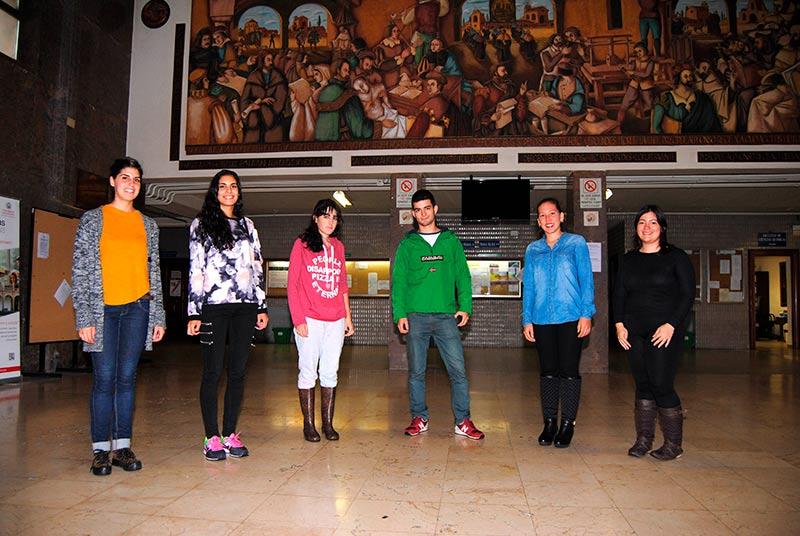 Inés Linares, Elena Bustillo, Ana de la Cruz, Miguel García, Ana Luisa Priego, Olga Cristina Vidal, estudiantes de 3º y 4º de Ciencias Ambientales.