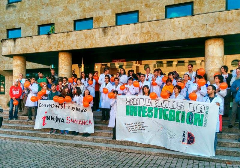 """Los jóvenes investigadores denuncia la """"nefasta gestión"""" de la Junta en investigación durante esta Legislatura. FOTO ARCHIVO"""