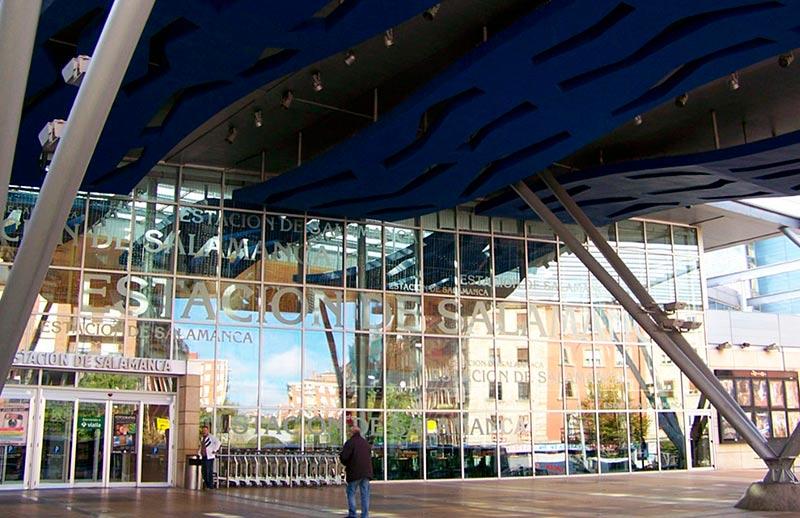 El centro comercial Vialia está en la estación de Renfe.