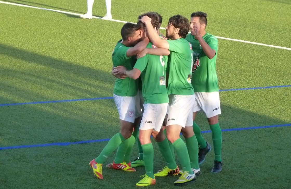 Los jugadores del Guijuelo celebran un gol en un partido anterior.