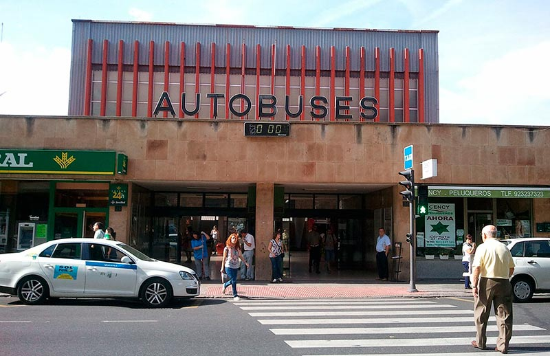 La estación de autobuses.
