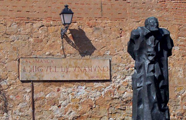 miguel de unamuno estatua