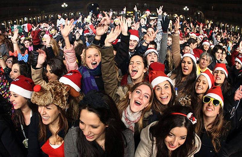 Miles de jóvenes participarán en la Nochevieja Universitaria.