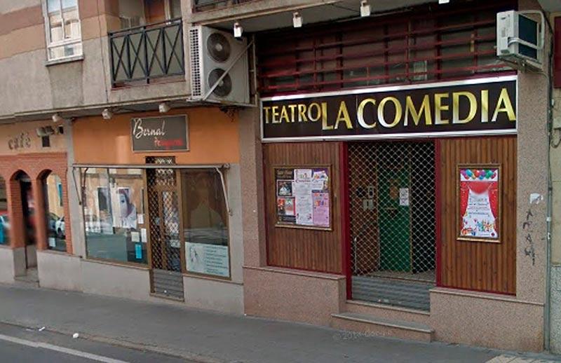 La entrada del Teatro La Comedia.
