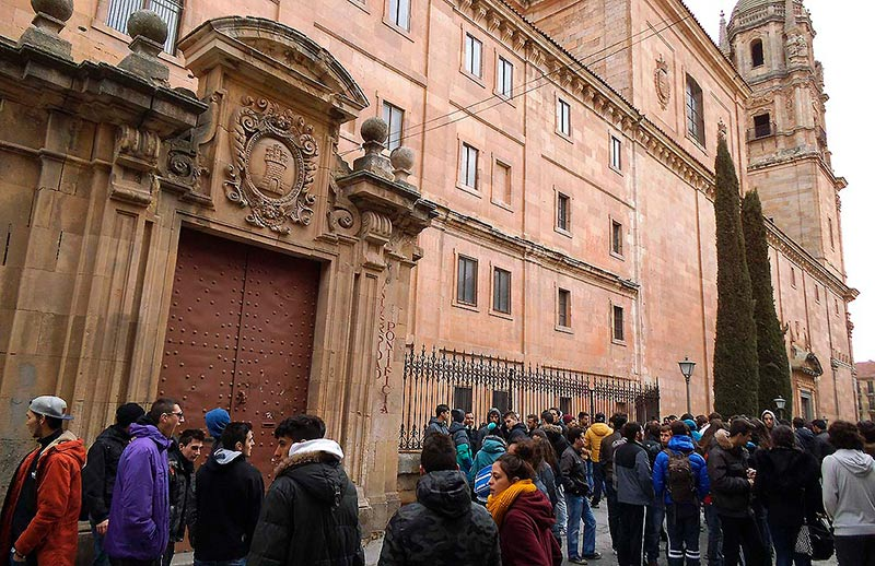 universidad pontificia protesta tasas