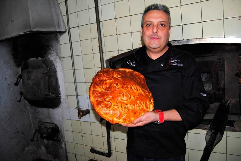 El hornazo que hicimos para La Crónica de Salamanca en la panadería de Tenebrón.
