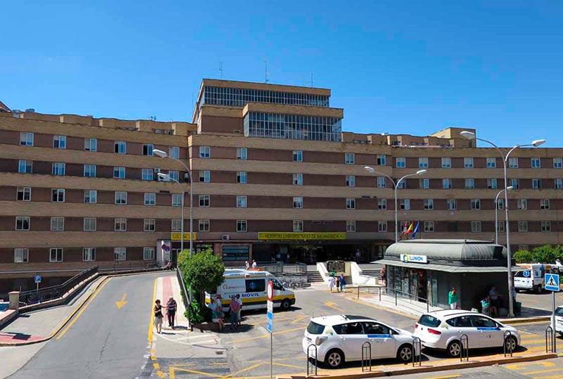 La fachada del hospital Clínico.
