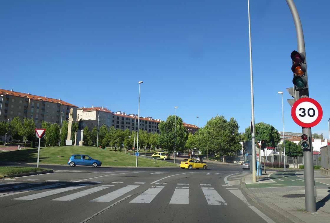 trafico señal limite 30 km hora velocidad