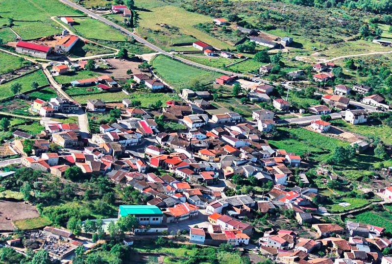 Vista aérea de Cristóbal de la Sierra.