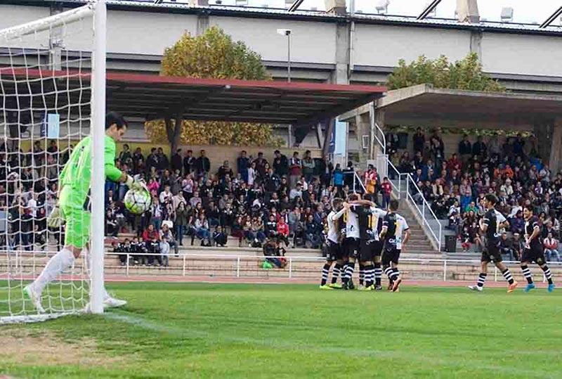 Los unionistas celebran un gol en las Pistas.