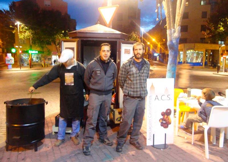 La Asociación de Castañeros de Salamanca reivindica su sitio.