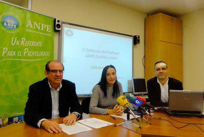 Nicolás Ávila, vicepresidente de ANPE Castilla y León, Pilar Gredilla, presidenta de ANPE Castilla y León, y Jesús Niño Triviño, Defensor del Profesor de ANPE.