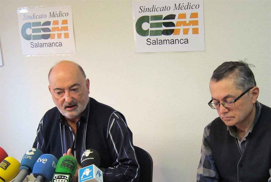 Jesús Arcaya (izda) y Kenneth Thomson, dirigentes del Sindicato Médico.