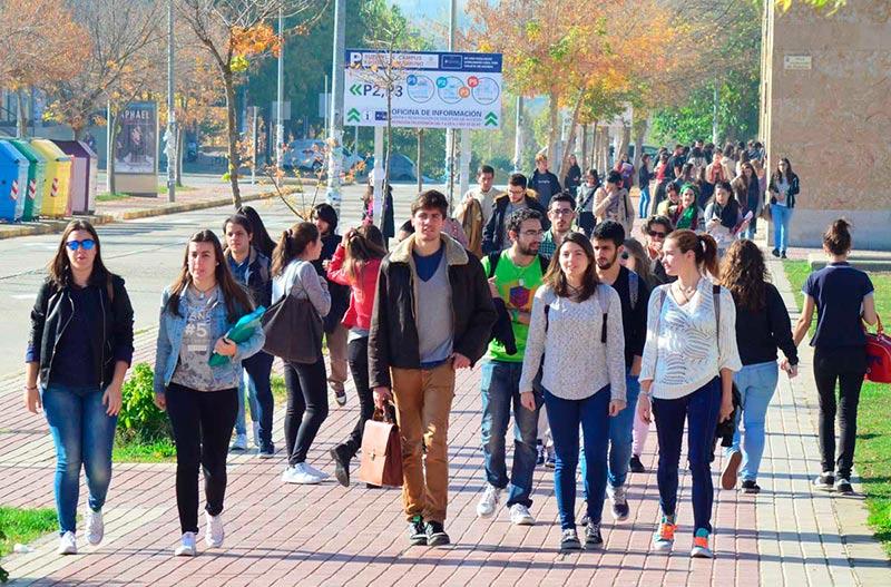 estudiantes juventud jovenes usal Street Style en el campus de Unamuno universidad