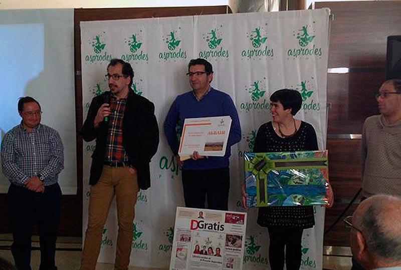 Los premiados en la asamblea de Asprodes. (Foto: Asprodes)