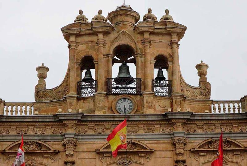 plaza mayor ayuntamiento reloj 3
