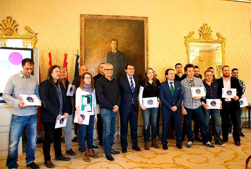 Los hosteleros que recogieron sus acreditaciones.