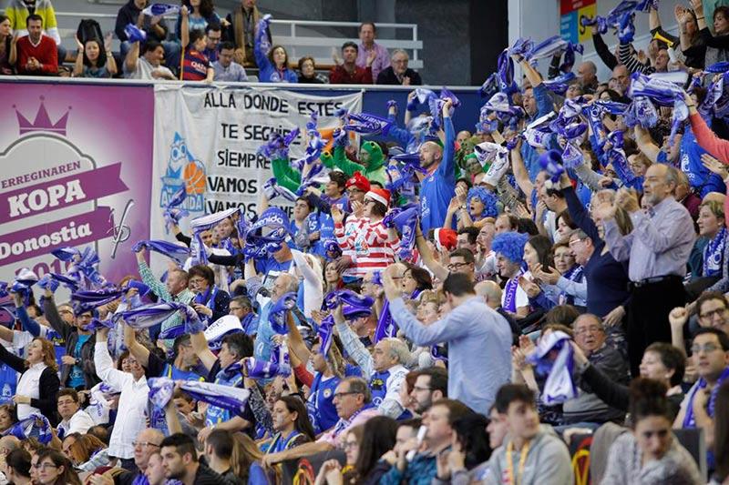 La marea azul en la final de Copa.