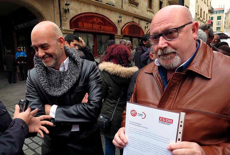 Emilio Pérez, secretario provincial de CCOO, y José Luis Hernández, de UGT, este martes.