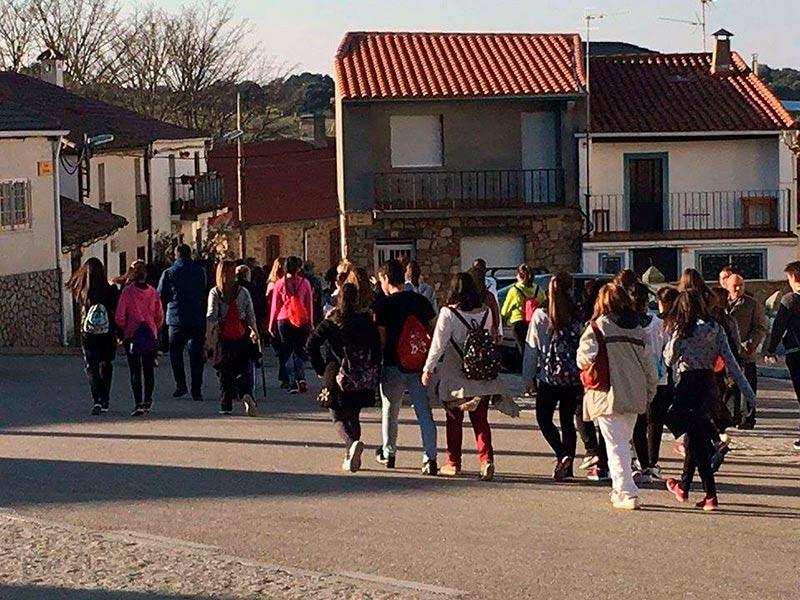 Los peregrinos procedían de Guijuelo, Cespedosa, Los Santos, Frades, Fuenterroble y Endrinal, entre otros municipios.