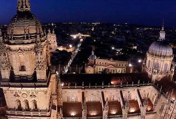 catedral dron vuelo nocturno 2