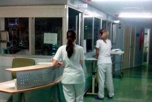 hospital uci enfermeras