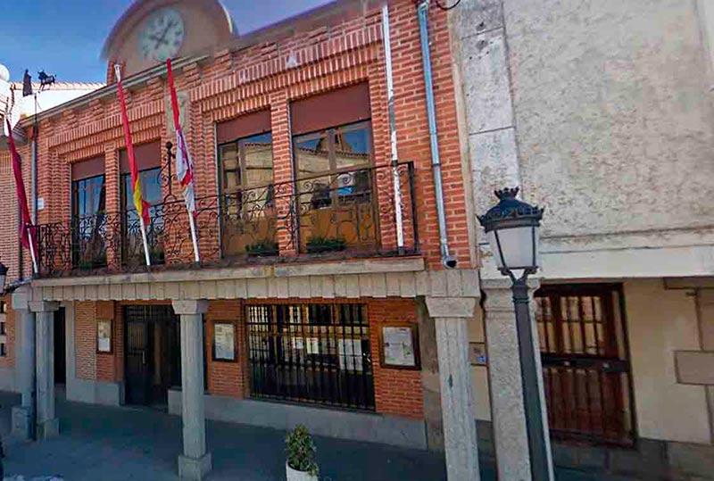 El Ayuntamiento de Macotera.