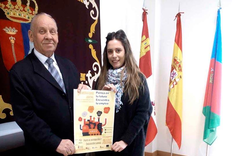El alcalde Villares, José Martín, en la presentación de la iniciativa.