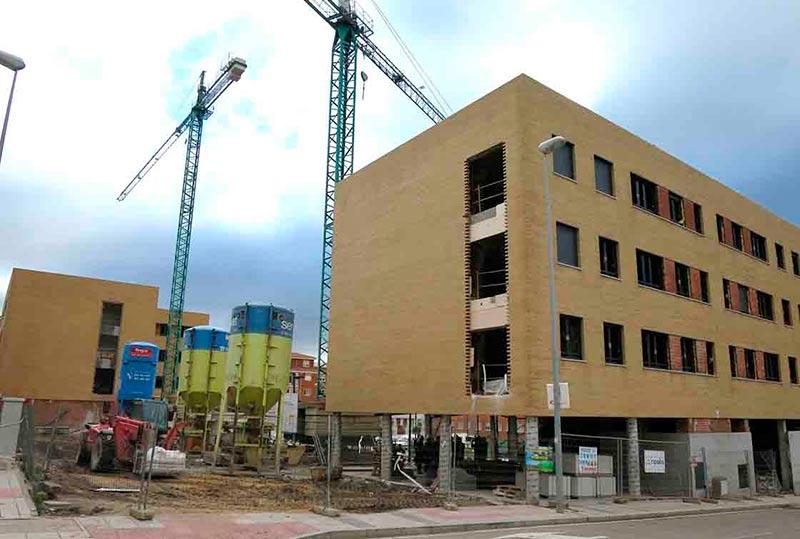 Los dos bloques que se están construyendo en el Alto del Rollo.