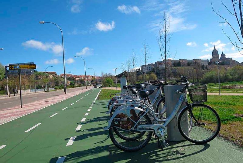 Un puesto de préstamo de bicis.