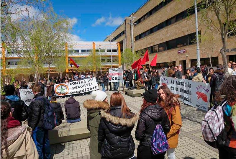 La concentración estudiantil en la plaza de Bolonia.