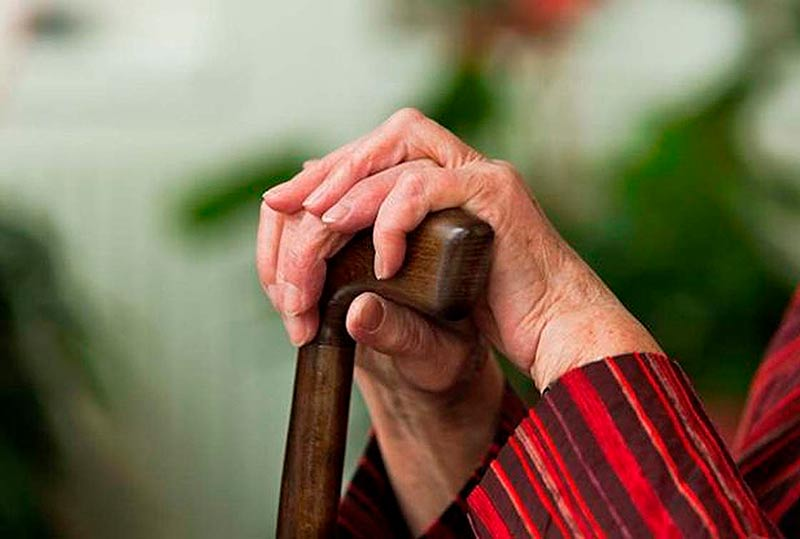 parkinson mayores ancianos soledad