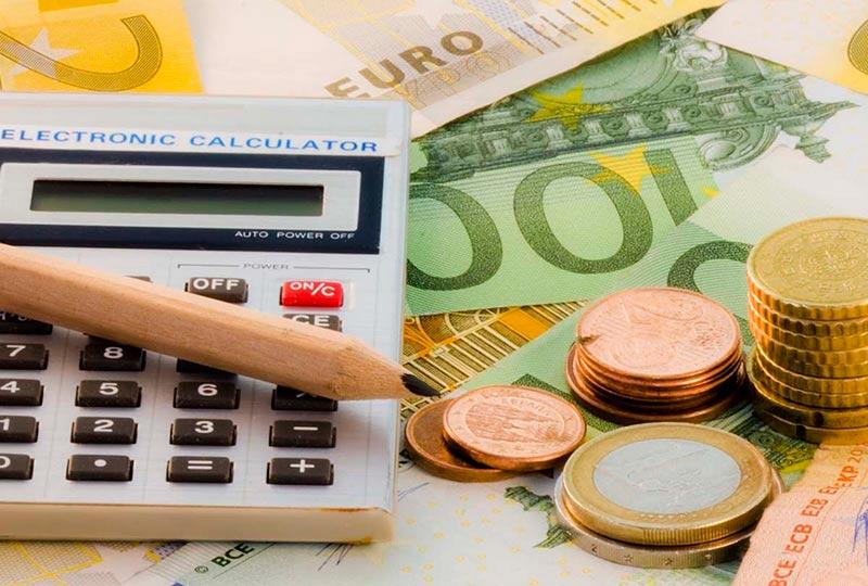 dinero y culculadora