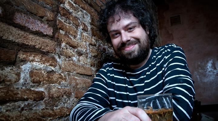 Sergio Molino presenta este jueves 19 a partir de las 19.30 horas su última obra en la librería Letras Corsarias.