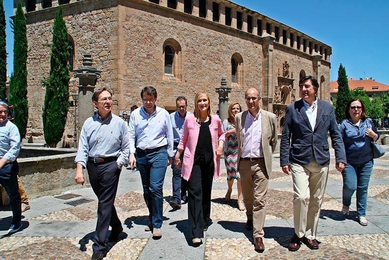 Cristina Cifuentes arropó a los candidatos al Congreso de los Diputados y Senado del Partido Popular.