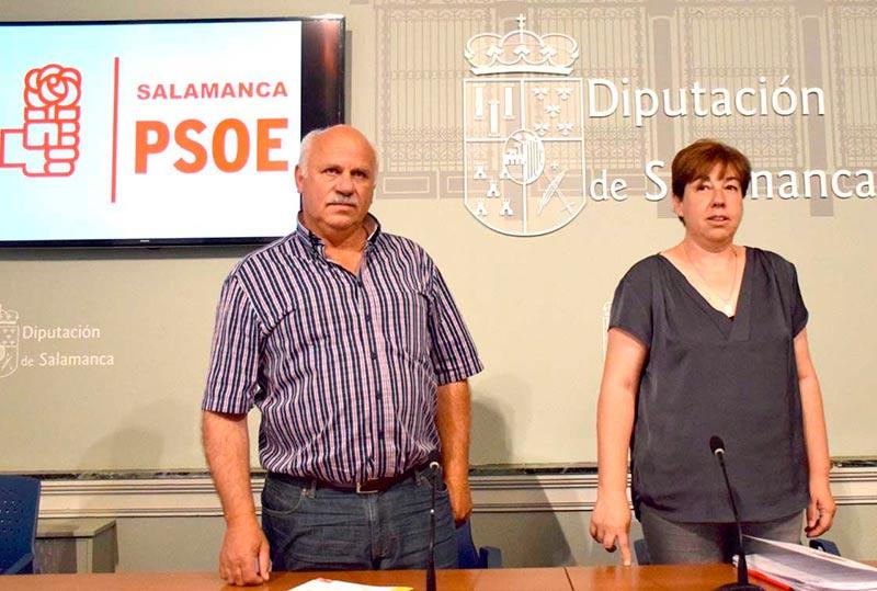 Carmen García y José Francisco Bautista, este miércoles en la Diputación.