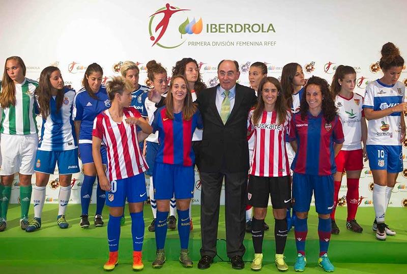 El presidente de Inedrola, Ignacio Galán, en la presentación en Bilbao.