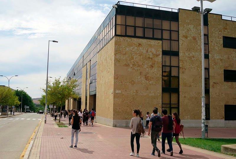 Los Estudiantes Recibirán Ayudas Para El Alquiler Viaje Y Para Que No Dejen Sus Estudios