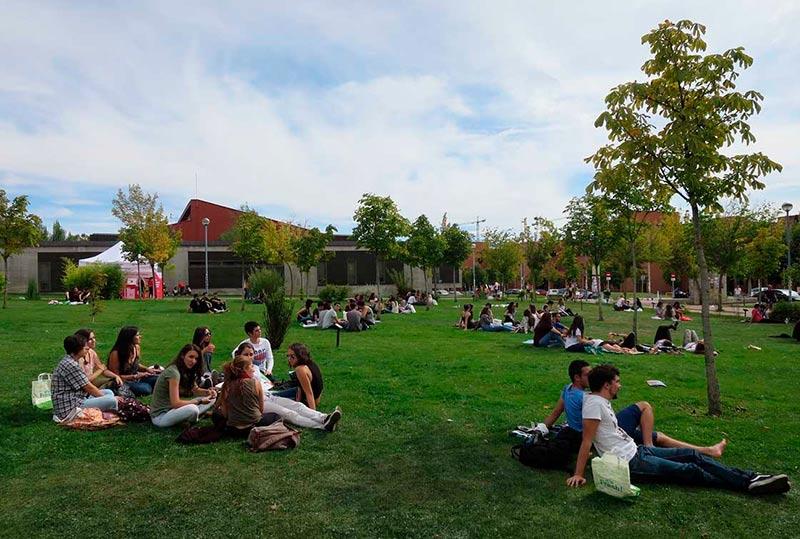usal-campus-estudiantes-universidad